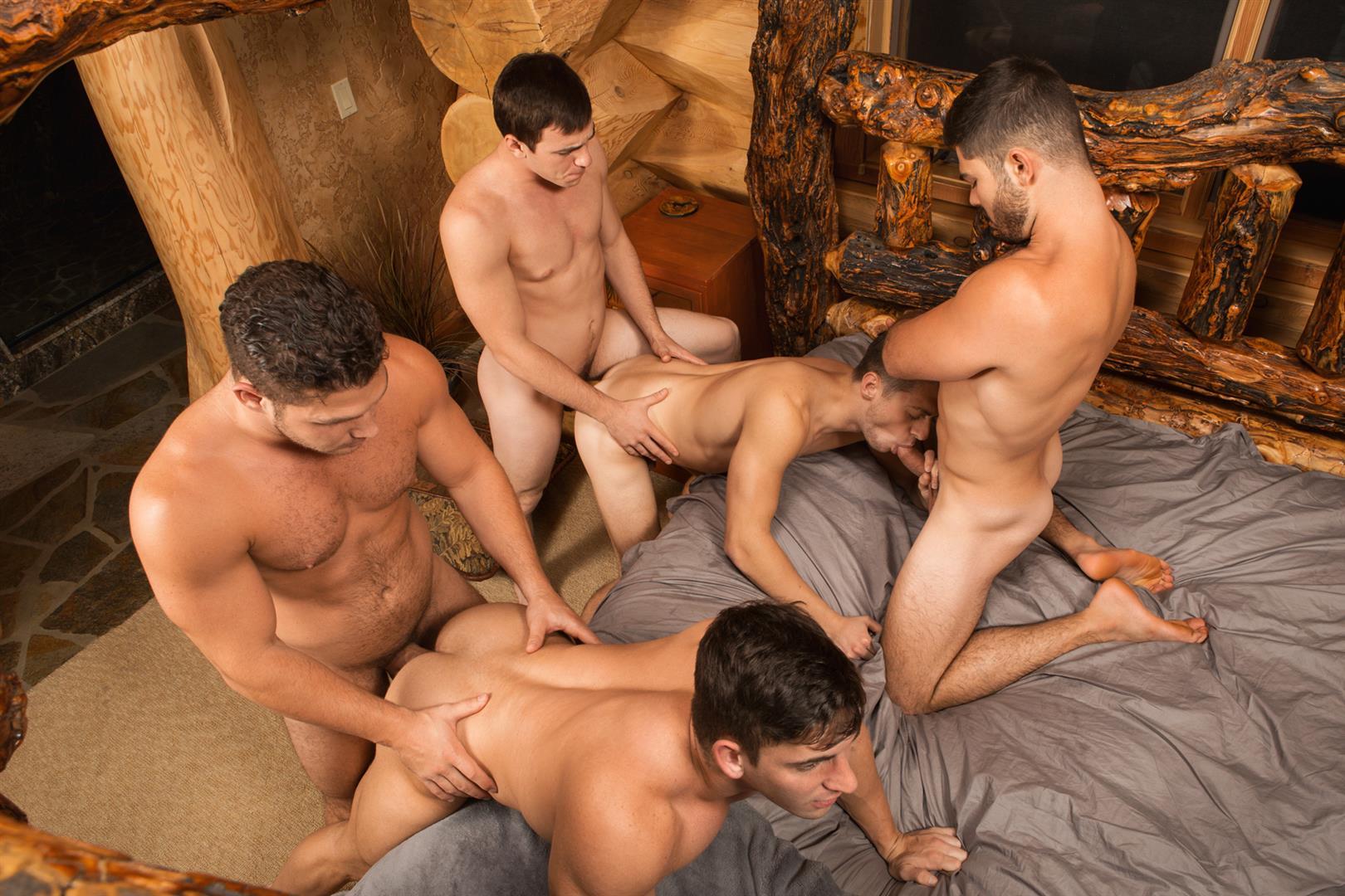Sean-Cody-Winter-Getaway-Day-1-Big-Dick-Hunks-Fucking-Bareback-Amateur-Gay-Porn-12 Sean Cody Takes The Boys On A 8-Day Bareback Winter Getaway