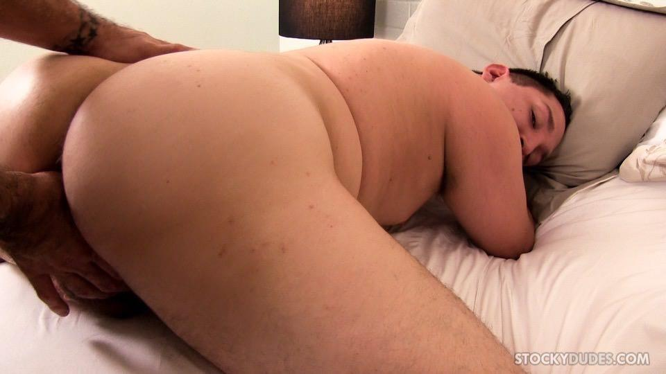 Stocky-Dudes-Dylan-Ventura-and-Evan-Ellis-Bear-and-A-Cub-Bareback-Amateur-Gay-Porn-09 Chubby Cub And A Hairy Muscle Bear In A Bareback Fuck